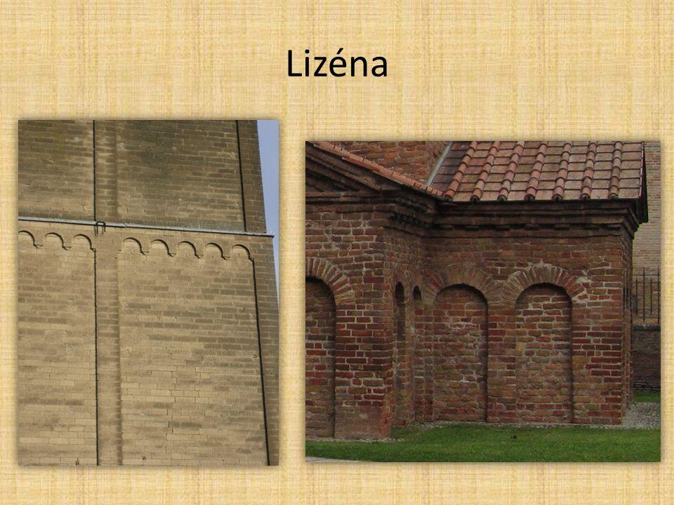 Francie jednoduchost staveb, vyvážené proporce většina kostelů zasvěcených Panně Marii Notre-Dame-du-Port v Clermont Ferrand Notre-Dame-la-Grand v Poitiers klášter v Cluny