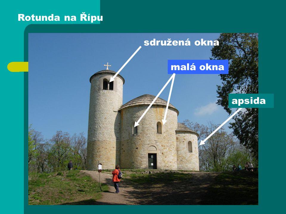 Rotunda na Řípu sdružená okna malá okna apsida
