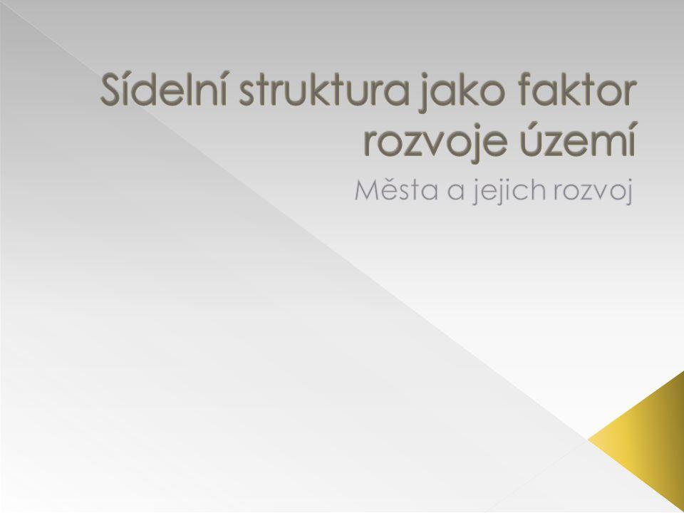  MMR, MŽP … MD, MK a další  Kraje  EU : - 2007–2013 vyčleněno asi 21,1 miliardy eur, což představuje 6,1 % celkového rozpočtu na politiku soudržnosti EU - obnova průmyslových zón a znečištěných ploch, - projekty obnovy měst a venkova, - ekologičtější městkou dopravu - Bydlení - investice do infrastruktury, výzkumu a inovací, vzdělávání, zdravotnictví a kultury.