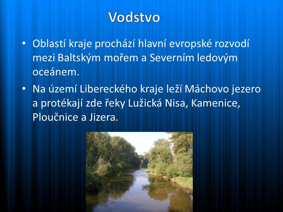Na území kraje je řada přehrad, některé s vodními elektrárnami, či sloužícími jako zásobárny pitné vody.