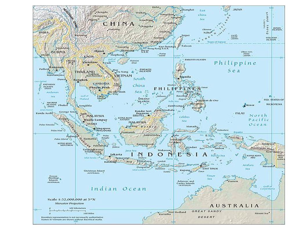"""Povrch: Povrch: je hornatý, členité území, sopky a zemětřesení Nejvyšší bod=Kinabalu (4101 m.n.m.) na Kalimantanu (3.největší ostrov na světě) Klima: Klima: tropické rovníkové, tajfuny Vegetace: Vegetace: deštné pralesy, savana Kolonizace: Kolonizace: Filipíny - Španělsko Malajsie, Singapur, Barma - Británie Kambodža, Laos, Vietnam - Francie (""""Francouzská indočína ) Thajsko (=Siam) - nikdy nekolonizováno Ve 20.stol."""