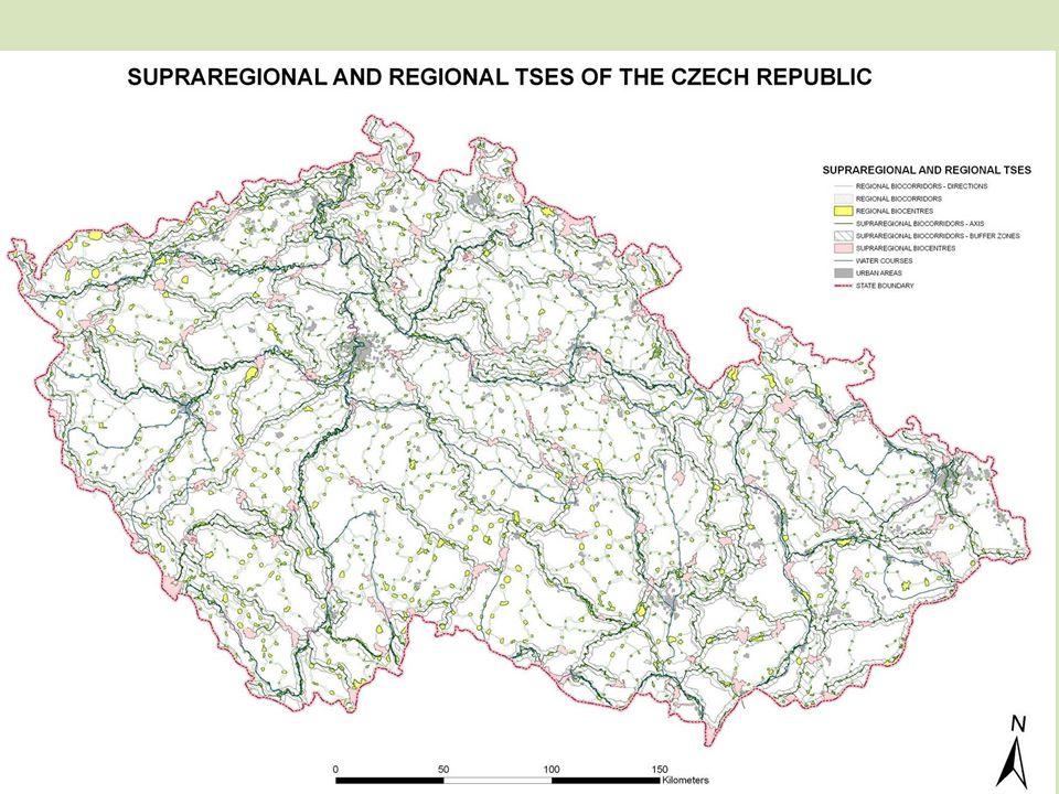 Krajina, ekologická stabilita Kulturní krajina – přetvořená člověkem určitému účelu Obhospodařovaná krajina – menší hustota obyv.