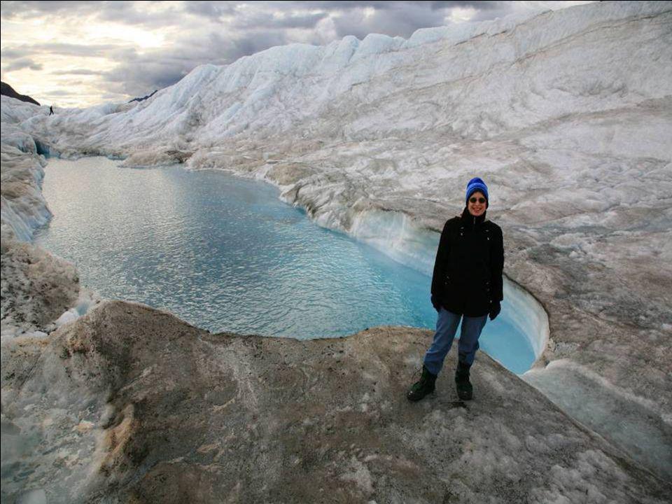 Modrá barva krystalu ledu byla vytvořena v průběhu tisíců let