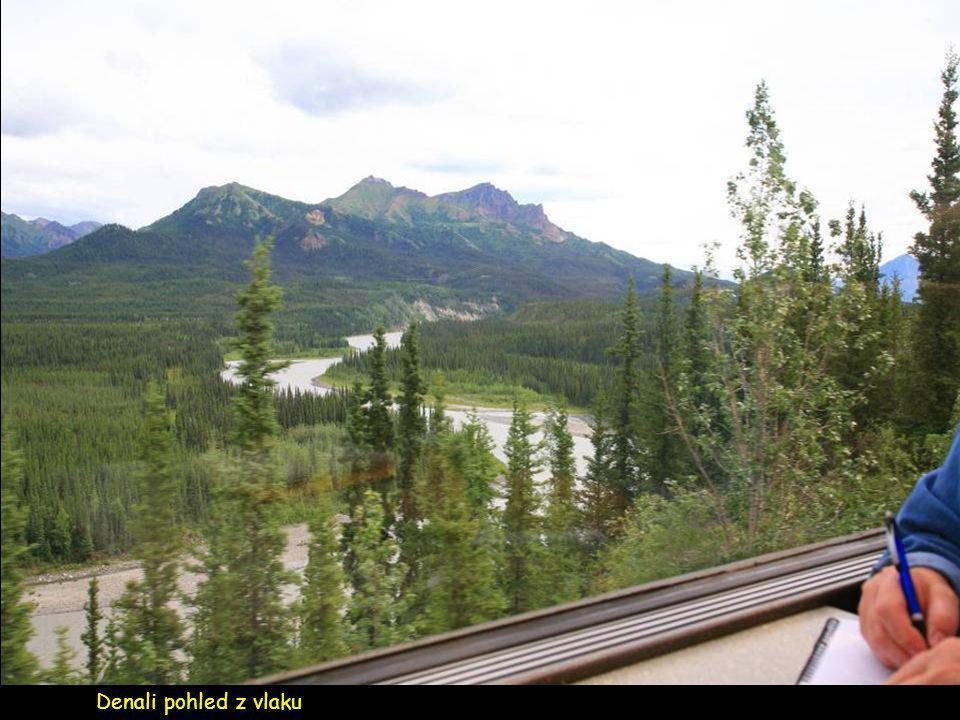 Luxusní výletní vlak mezi Denali a Anchorage
