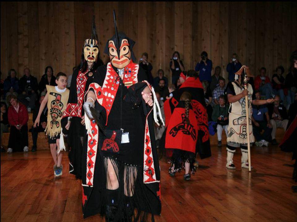Tance kmene Metlakatla s dřevěnými maskami na SZ pobřeží