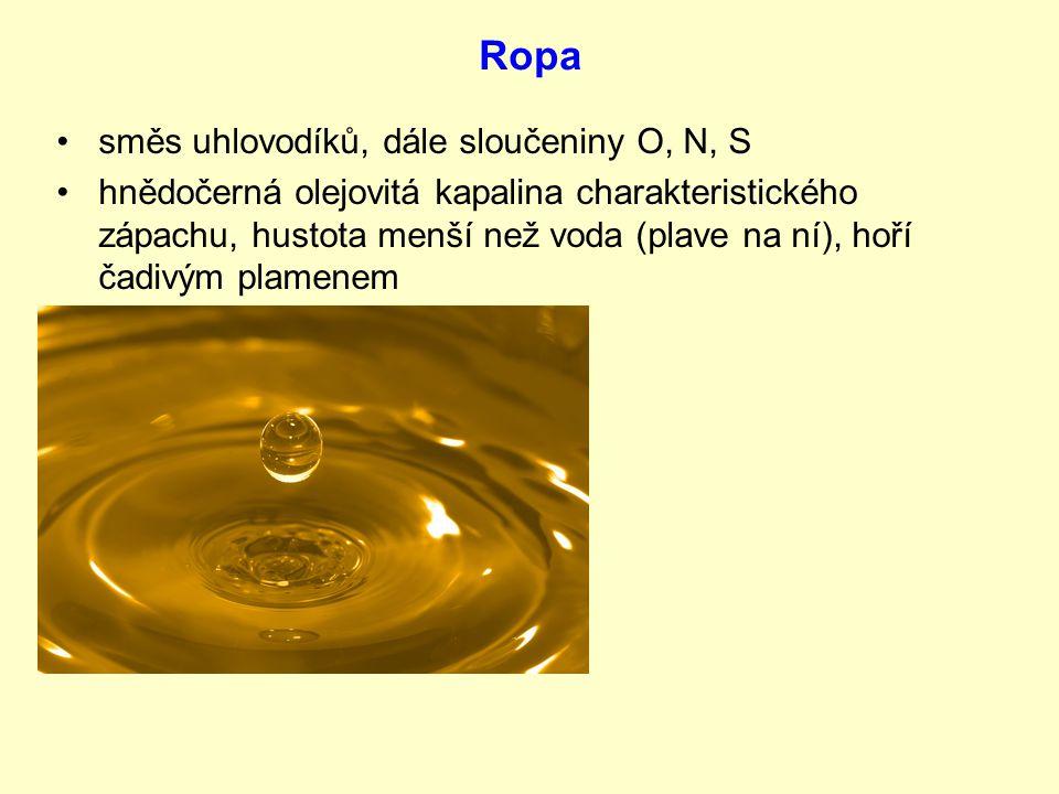 směs uhlovodíků, dále sloučeniny O, N, S hnědočerná olejovitá kapalina charakteristického zápachu, hustota menší než voda (plave na ní), hoří čadivým