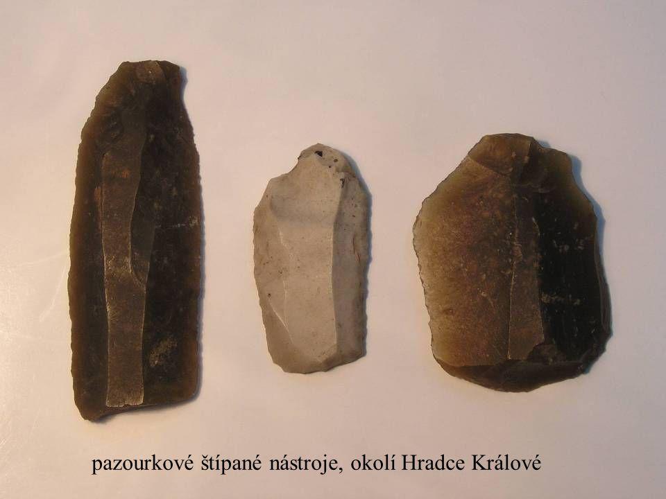 Jakub Jirásek11 pazourkové štípané nástroje, okolí Hradce Králové