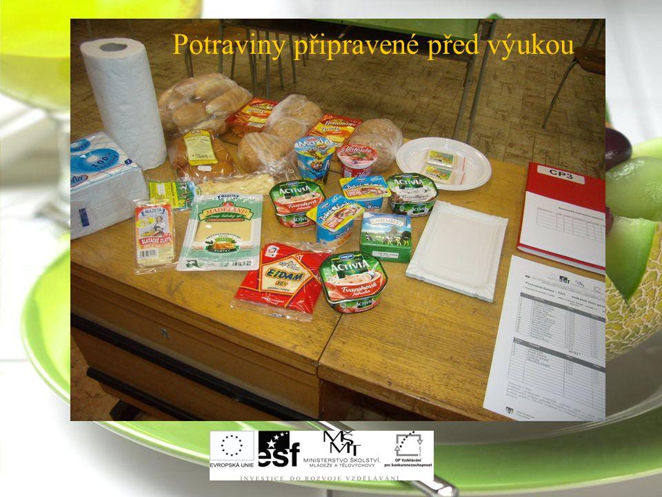 Potraviny připravené před výukou