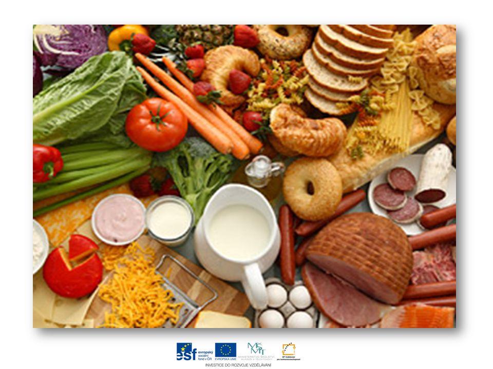  oblasti s nadprůměrnou zemědělskou výrobou: Středočeský kraj Jihomoravský kraj Jihočeský kraj Kraj Vysočina  základní hospodářská funkce zemědělství spočívá v zajištění výživy obyvatelstva  zemědělské produkty se spotřebovávají přímo nebo se částečně zpracovávají v různých oborech potravinářského průmyslu  zemědělství také poskytuje suroviny dalším hospodářským odvětvím, např.