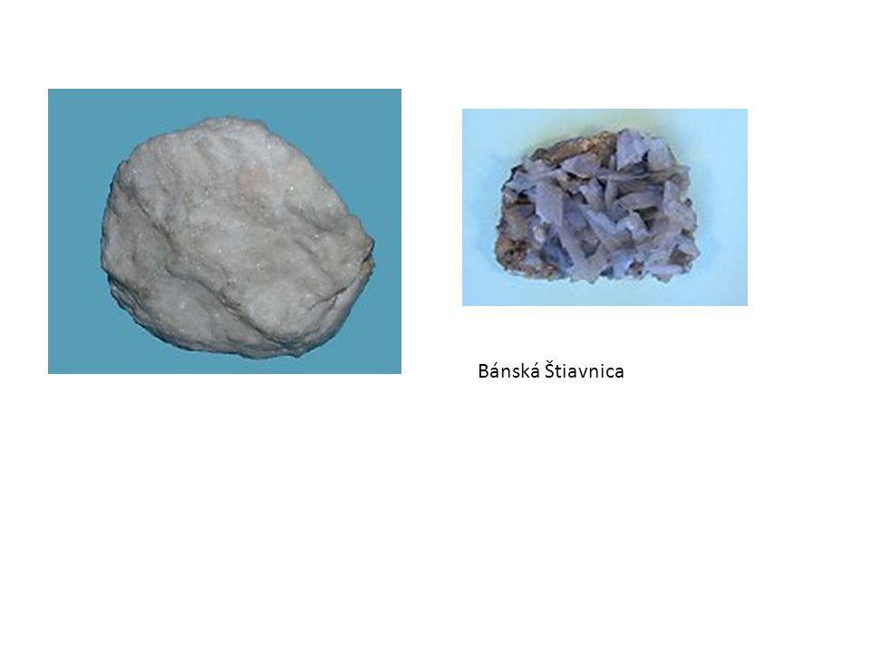 Fosforečnany Apatit součást hornin, různé zbarvení zdroj fosforu surovina pro výrobu kyseliny fosforečné a hnojiv (fosforečnan vápenatý s fluórem, chlórem a vodou, Ca 5 (PO 4 ) 3 (OH,F,Cl))