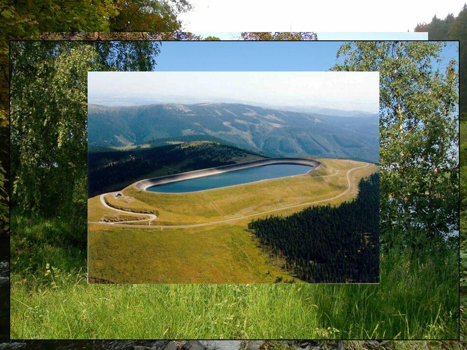Vodstvo Řeky: Bečva, Bystřice, Desná, Haná, Morava, Třebůvka, Valová Jezera: Kamencové jezero, mechová jezírka Rybníky: Hrdibořické rybníky, Nebeský r