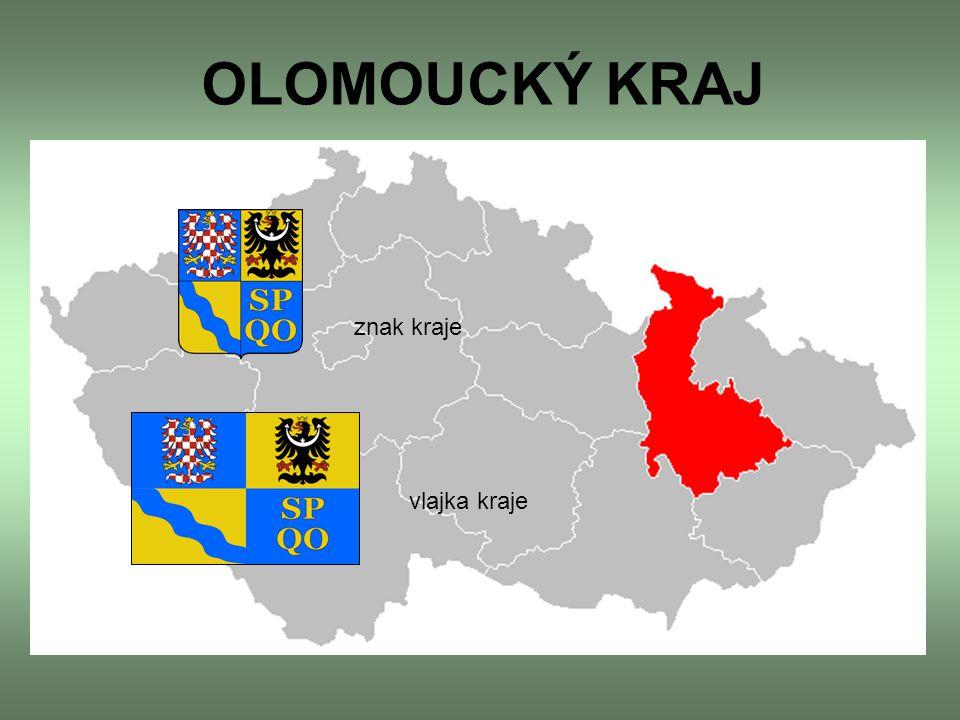 Leží ve střední a severozápadní části Moravy (většina území), a také na severozápadě Českého Slezska (téměř celý okres Jeseník) V kraji je 399 obcí, z toho 13 obcí s rozšířenou působností.