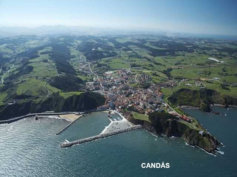 Geografie Asturie jasně rozlišuje dvě oblasti, pobřeží s členitými útesy a krásnými plážemi mezi nimi.
