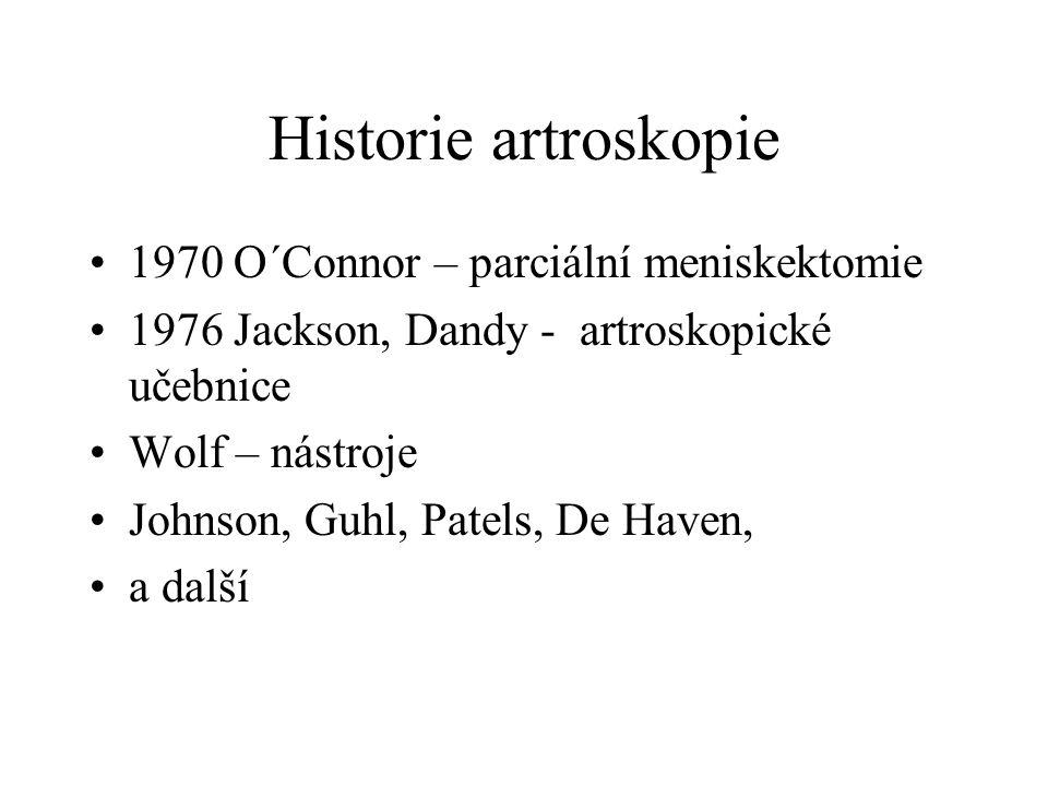 Prof. Popelka 1971 První arthroskop v ČR Zkušební arthroskopie – Arthroskopie z arthrotomie