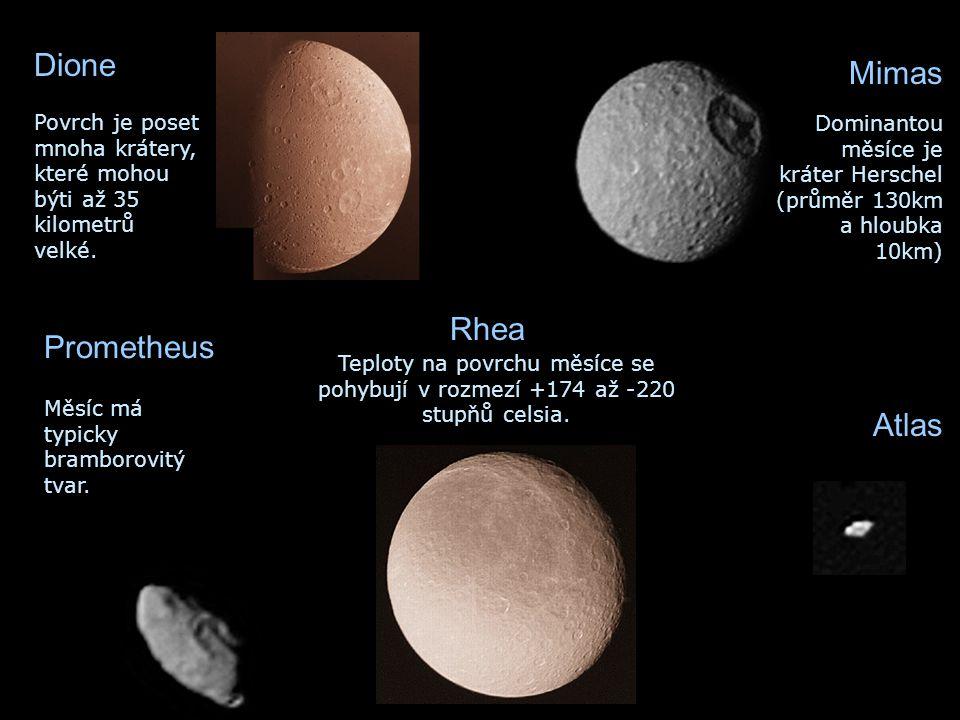 Dione Povrch je poset mnoha krátery, které mohou býti až 35 kilometrů velké. Teploty na povrchu měsíce se pohybují v rozmezí +174 až -220 stupňů celsi