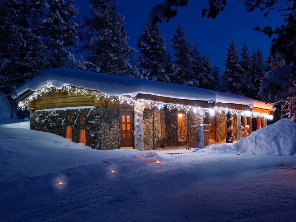 Santa`s Resort Kakslauttanen is now open.