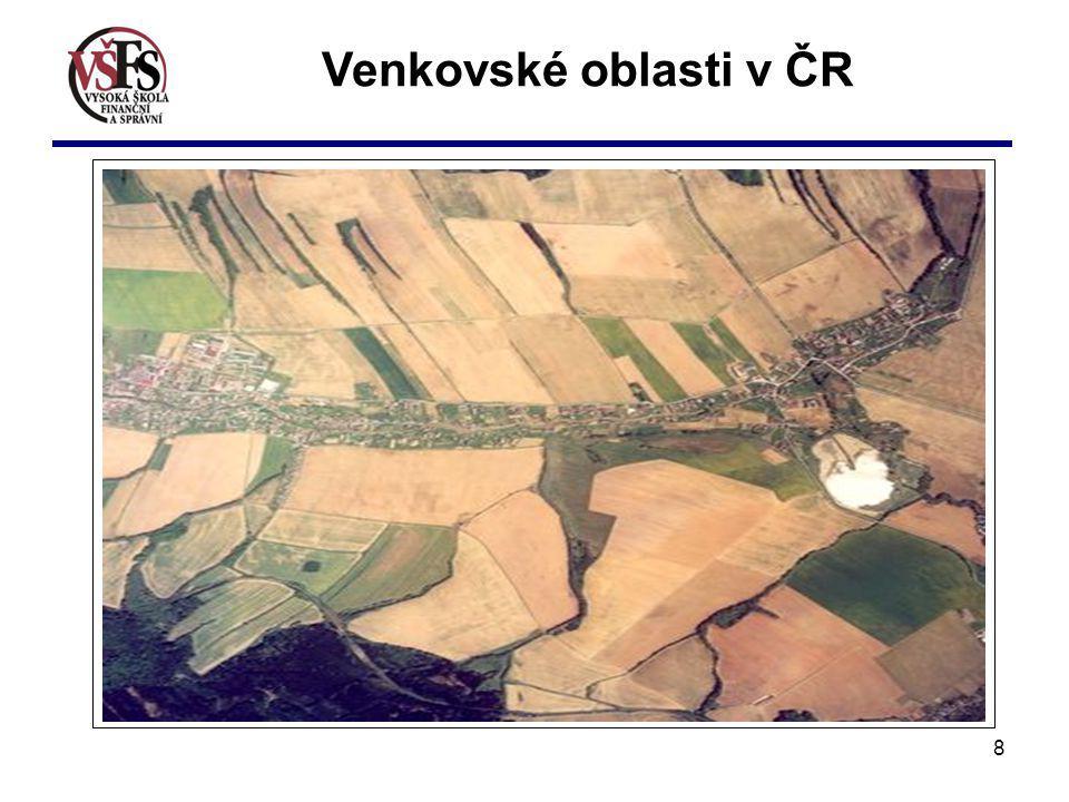 9 Trochu statistiky: Obcí s hustotou obyvatelstva do 100 obyvatel na km 2, je v ČR 4925 (78,8 % z celkového počtu), obcí venkovského typu (do 2000 obyv.) je 89,9 % z celkového počtu, zbylých 10,1 % tvoří obce s počtem obyvatel nad 2000 obyv., nejčetnější skupinou obcí jsou obce se 101 až 200 obyvateli (1085 obcí), malé obce do 400 obyvatel tvoří více než polovinu z celkového počtu (3194 obcí).