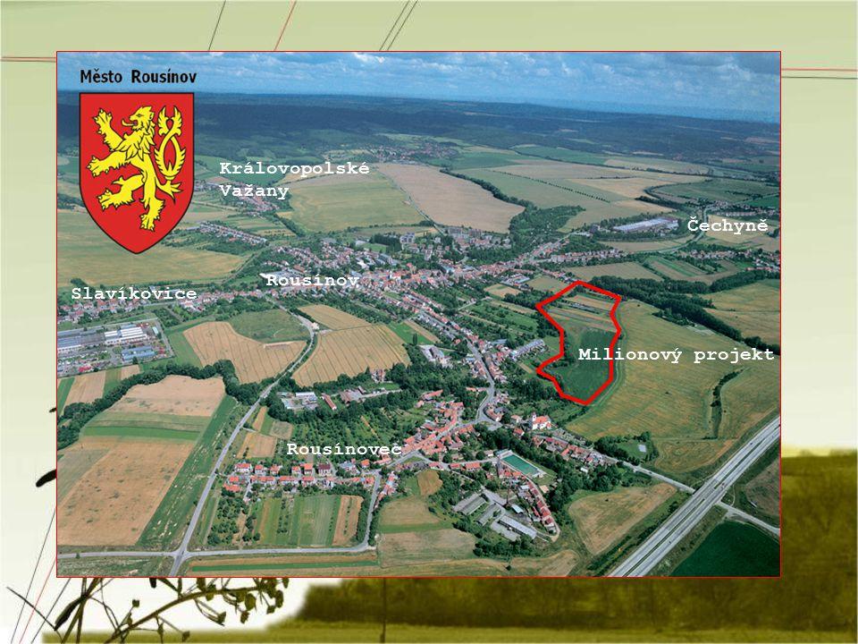 Historie Rousínova První písemná zmínka o existenci obce Rousínov je z roku 1222 Rousínov se začal vytvářet pro svou výhodnou polohu podél silnice z Brna do Olomouce První období rozkvětu královského města je od 14.