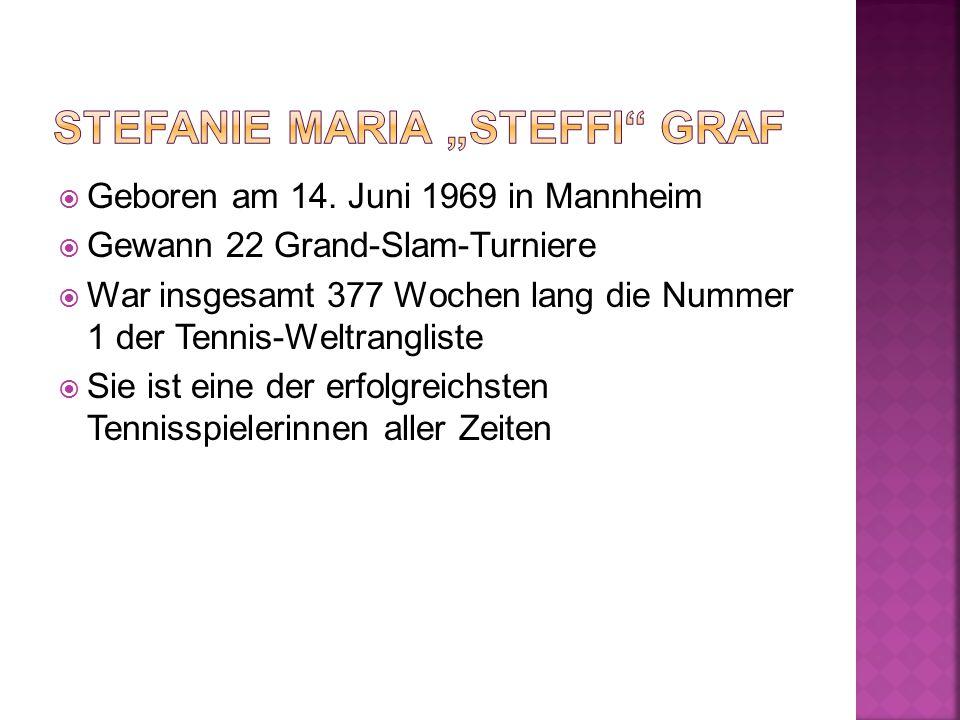 """ 1973 - Vater schenkt Graf ihren ersten eigenen Tennisschläger und beginnt das Tennistraining mit ihr  1981 - Die deutsche Fachpresse gab ihr die Bezeichnung eines """"Wunderkindes  2001 - Ist sie mit dem Tennisprofi Andre Agassi verheiratet  Das Paar hat zwei gemeinsame Kinder obr."""