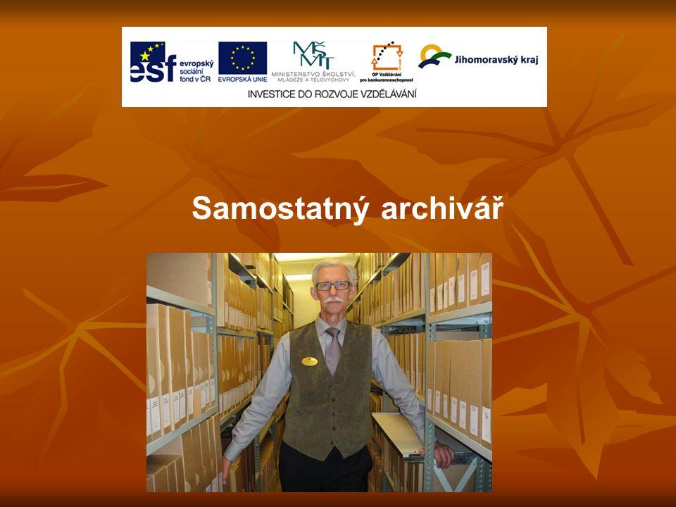Samostatný archivář