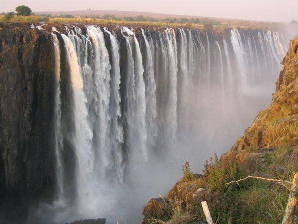Afrika - řeky Třetina povrchu Afriky jsou bezodtokové pánve. Nejdelší řeka je Nil, ale nejvodnatější a zároveň druhá nejdelší řeka je Kongo. Další vel