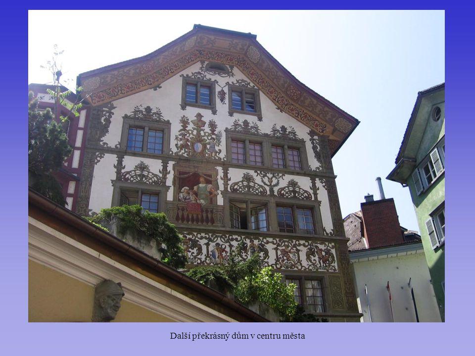 Další překrásný dům v centru města