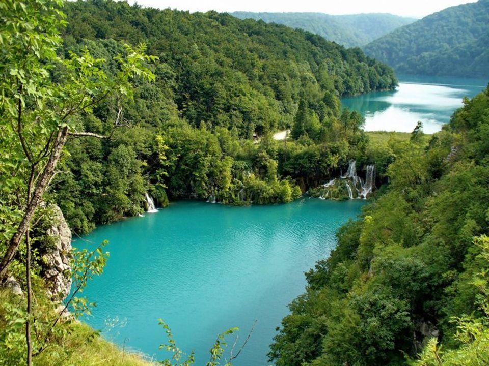Mohli bychom zde nalézt 140 vodopádů a 20 krasových jeskyň.