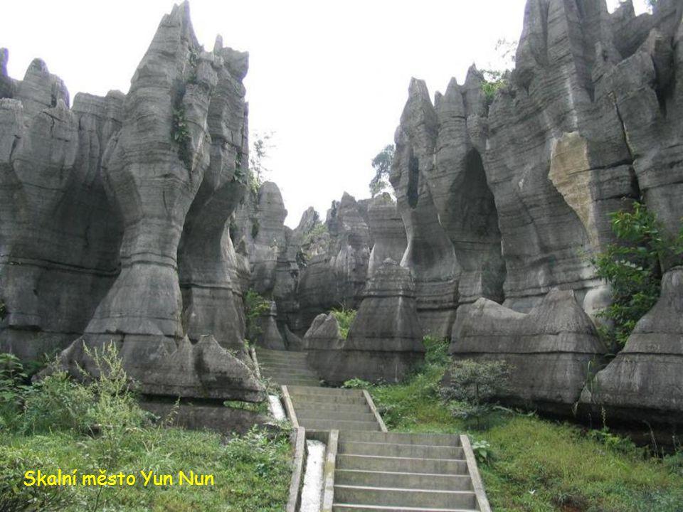 Skalní město Yun Nun