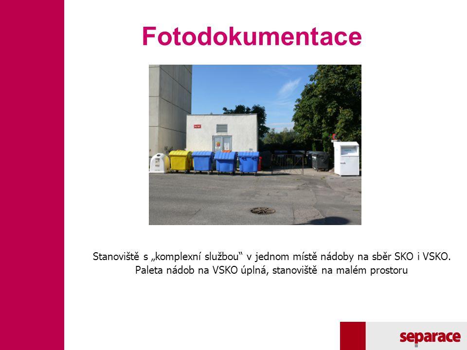 """Fotodokumentace Stanoviště s """"komplexní službou"""" v jednom místě nádoby na sběr SKO i VSKO. Paleta nádob na VSKO úplná, stanoviště na malém prostoru"""
