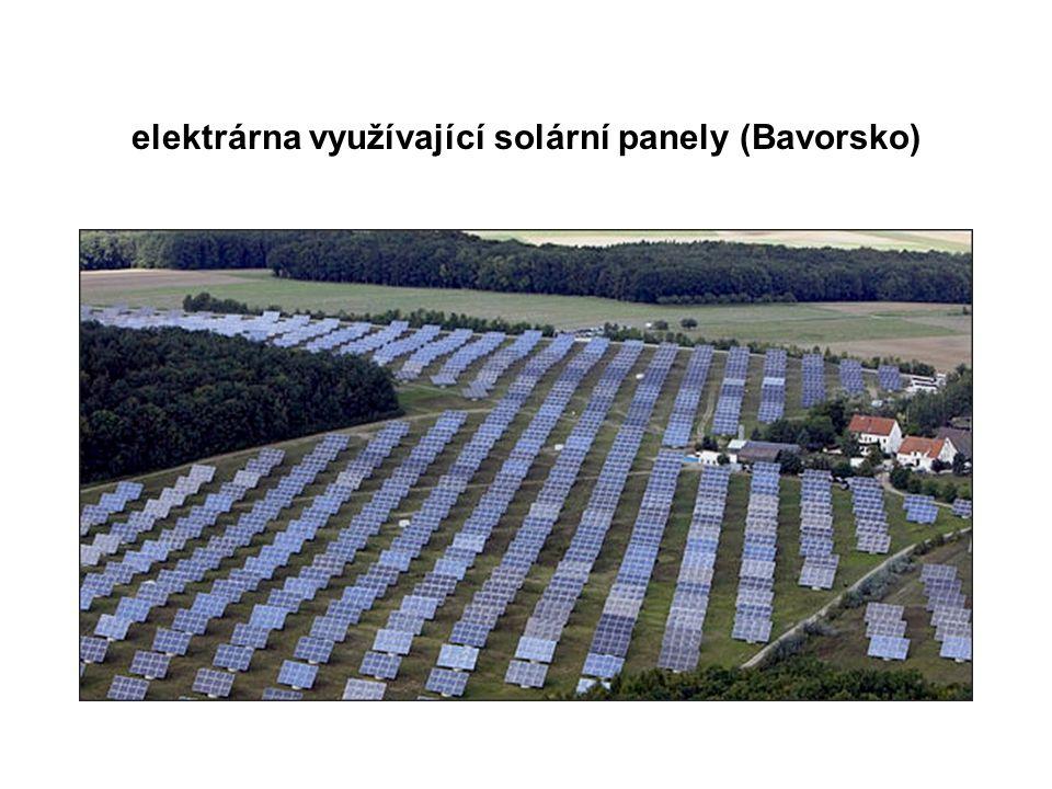 elektrárna využívající solární panely (Bavorsko)