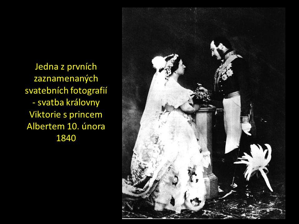 Jedna z prvních zaznamenaných svatebních fotografií - svatba královny Viktorie s princem Albertem 10.