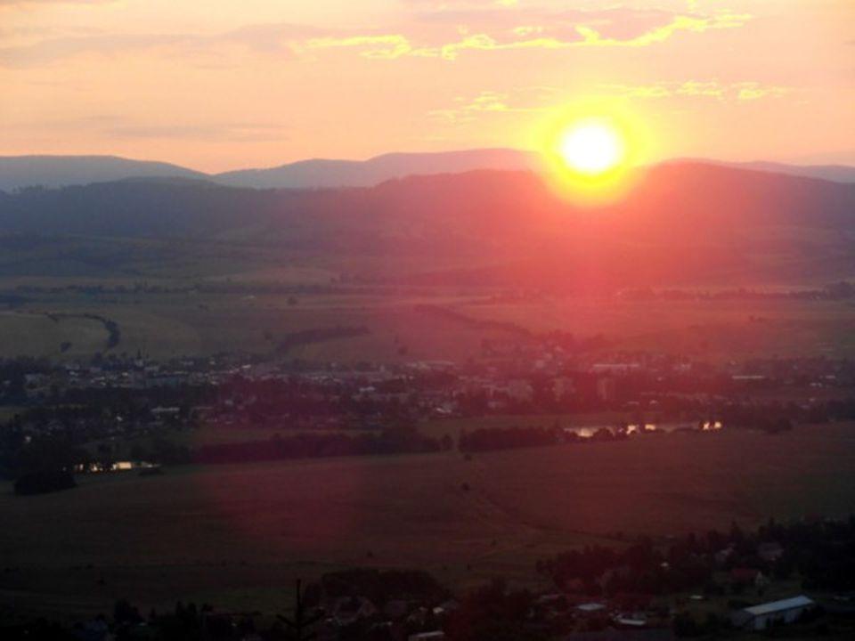 Světlo maluje Jinak na nás působí ráno východ slunce