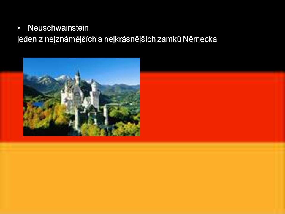 Neuschwainstein jeden z nejznámějších a nejkrásnějších zámků Německa