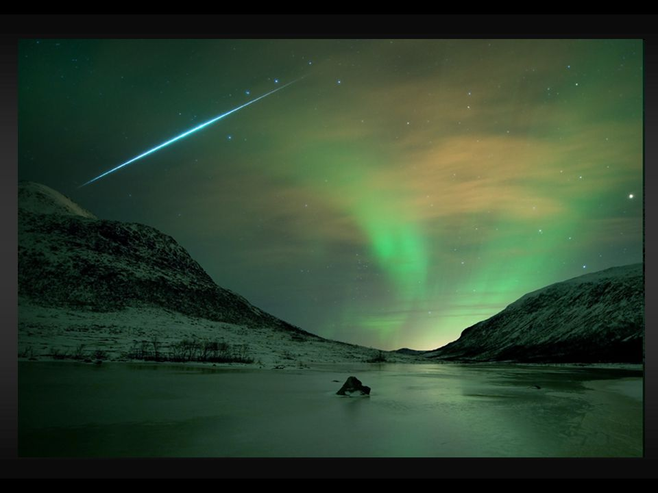 Meteority jsou to tělesa z meziplanetární (kosmické) hmoty, které dopadnou na zemský povrch dělí se na kamenné, kamenoželezné a železné po dopadech meteoritů se nacházejí stopy, tzv.
