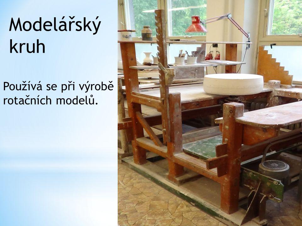 Modelářský kruh Používá se při výrobě rotačních modelů.