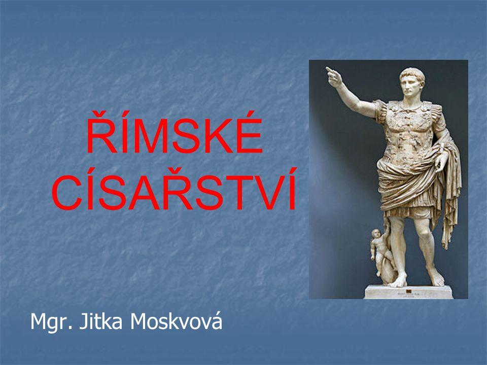   v Římě vystavěl Titův oblouk   nespolupracoval se senátem  podřídil si ho   jeho vraždou končí éra vlády Flaviovců NERVA (96 – 98)   zvolen senátem   adoptoval svého nástupce a vzdal se vlády  následuje éra ADOPTIVNÍCH CÍSAŘŮ TRAJÁN (98 – 117)   jeden z nejslavnějších císařů Říma