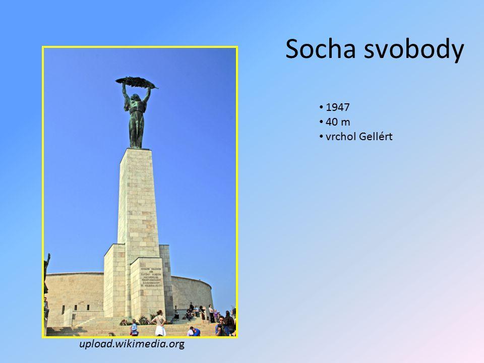 Socha svobody upload.wikimedia.org 1947 40 m vrchol Gellért