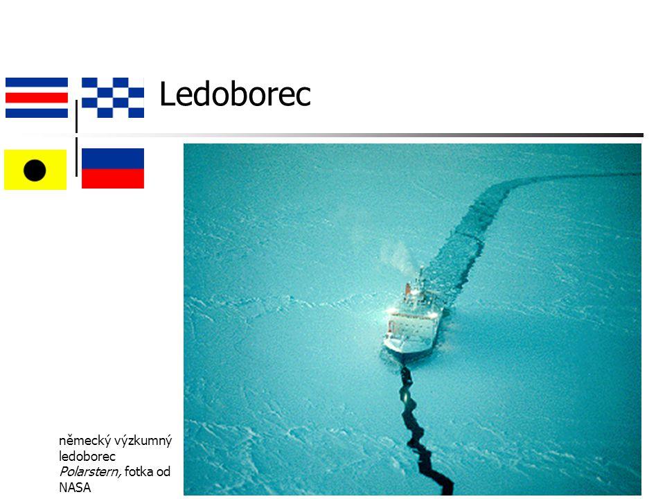 Ledoborec německý výzkumný ledoborec Polarstern, fotka od NASA