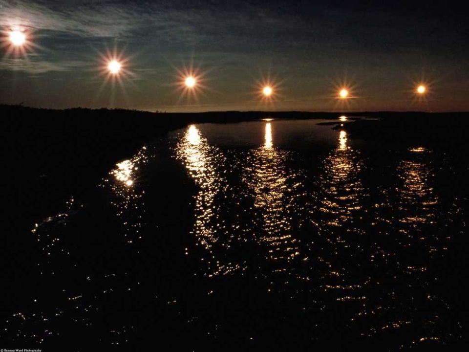 Půlnoční slunce je fenomén, který člověk může pozorovat nad severním a jižním polárním kruhem.