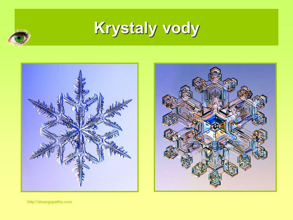Krystaly vody http://strangepaths.com