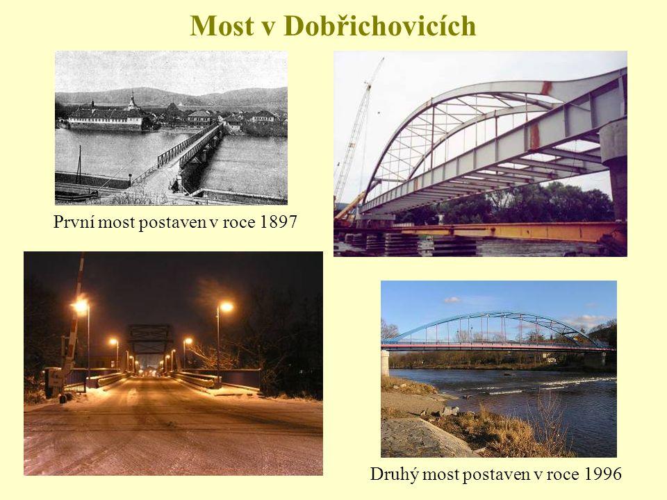 Most v Dobřichovicích První most postaven v roce 1897 Druhý most postaven v roce 1996