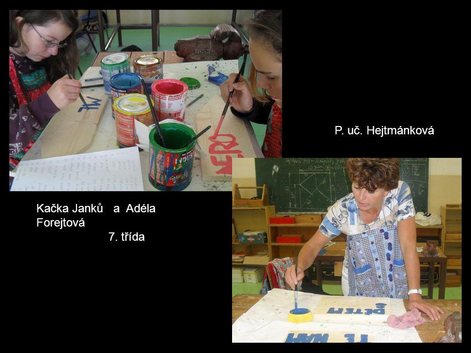 2.třída měla za úkol - (mohli být převlečeni za sklo, plasty a papír – podle barvy kojtenerů, nebo chodící s cedulkami daných surovin).