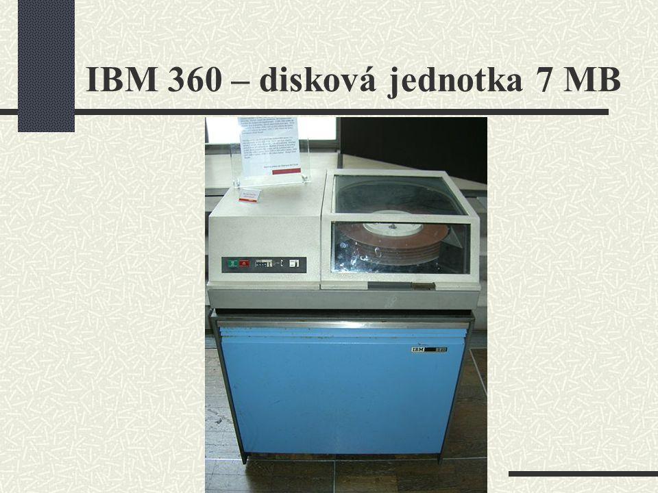 IBM 360 – disková jednotka 7 MB