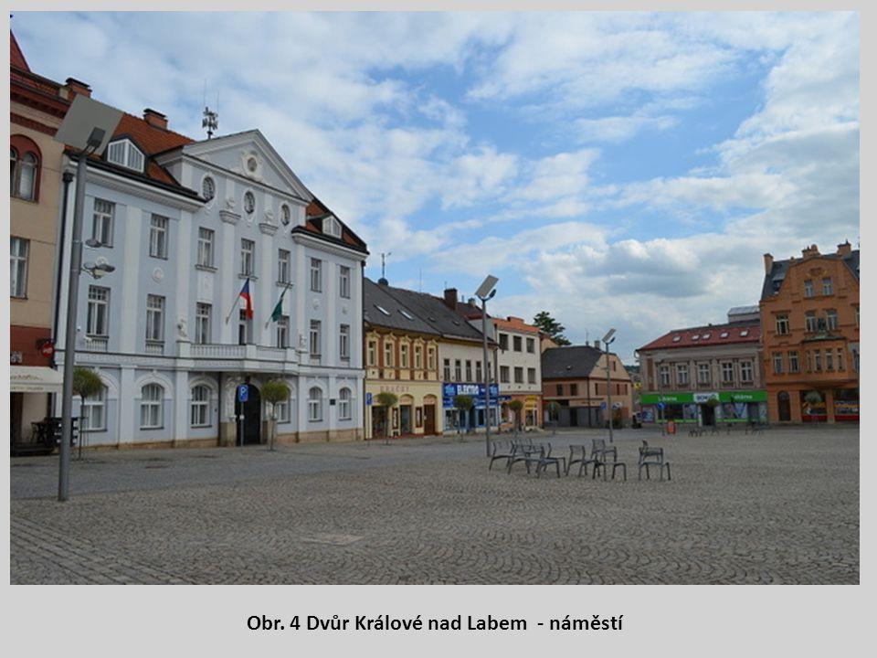 Obr. 4 Dvůr Králové nad Labem - náměstí