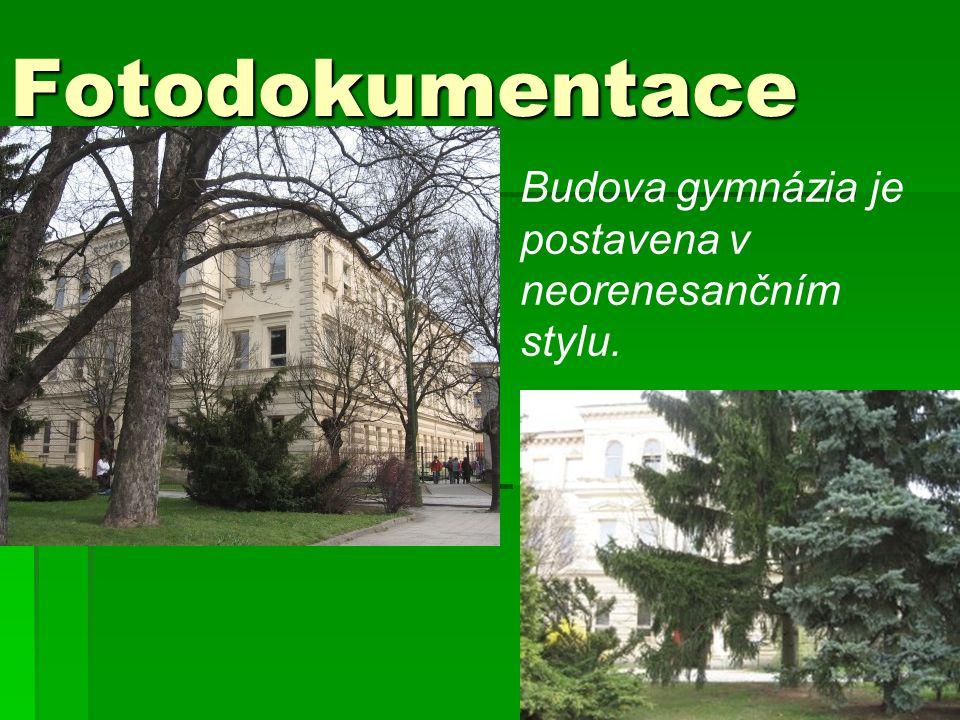 Fotodokumentace Budova gymnázia je postavena v neorenesančním stylu.
