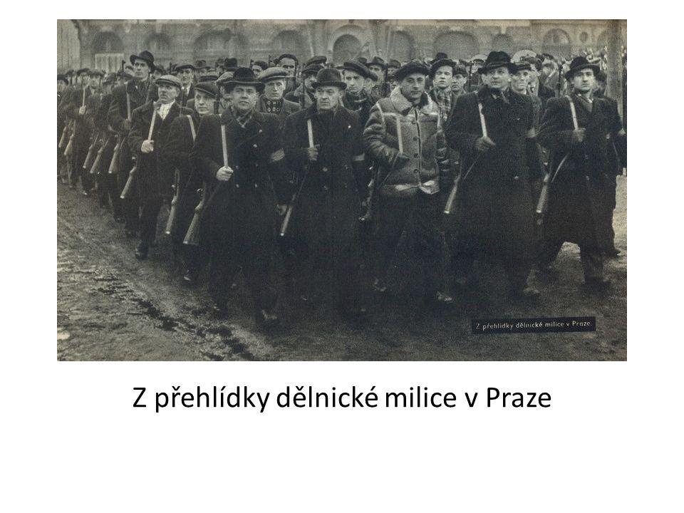 Z přehlídky dělnické milice v Praze
