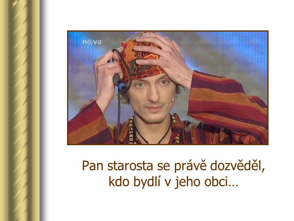 Coby sličný princ Krasomil z představení Kouzelná zlatá krabička místního ochotnického souboru Faktoráček Obecní slavnost