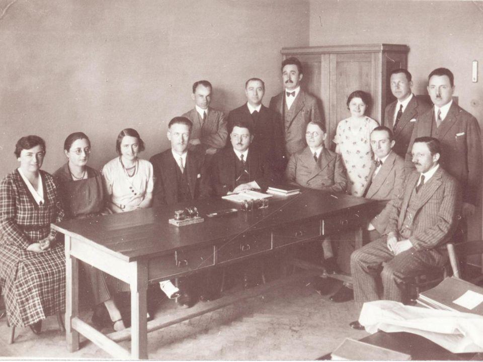 Pravidelné vyučování začalo 18. září 1924.