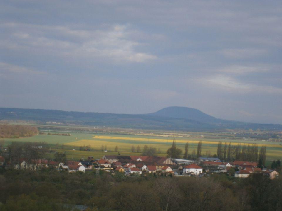 Obříství (1290-2010) 13.století 13.století První nepřímá zpráva o existenci osady, ležící v krajině zvané Meziříčí, mezi Labem a Vltavou, pochází z roku 1290.
