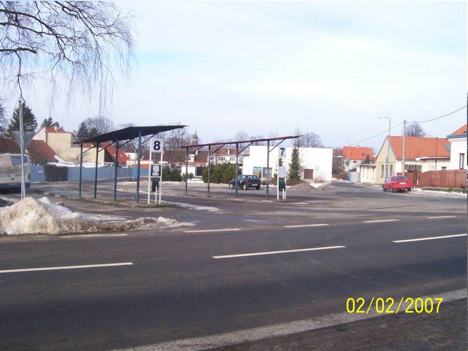 Dílčí projekt – nádraží Telč Výchozí stav a zdůvodnění realizace  Míra nezaměstnanosti 8,9% (12/2006)  Nevhodné umístění stávajícího AN  Integrovan